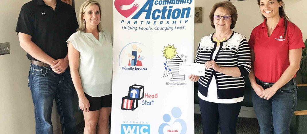 La Asociación de Acción Comunitaria del Noreste de Nebraska recibe una subvención de $1,000 para Alimentos