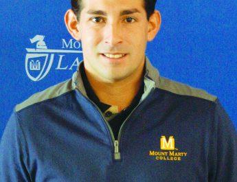 Carlos Saenz, nombrado entrenador de fútbol varonil en Mount Marty College