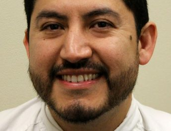 GIPS hires Josué Covarrubias as Barr Middle School principal /Josué Covarrubias, será el Director de Barr Middle School en Gran Island