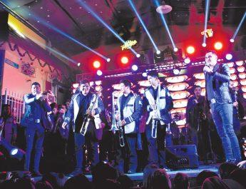 Banda TranKzitos comparte escenario con la Banda Recoditos